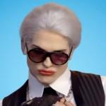 Ashton Kutcher parodie Karl Lagerfeld