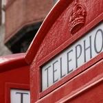 Les cabines téléphoniques anglaises réinventées par des créateurs de mode