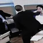Un député Grec agresse deux élues pendant un débat télévisé