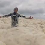 Foam Day, la journée de Surf sur une mer de mousse