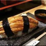 Un restaurant japonais sert le plus grand sushi du monde