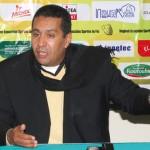Le sélectionneur national Rachid Taoussi se prépare pour sa première conférence de presse