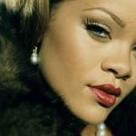 Rihanna pose nue pour le magazine GQ