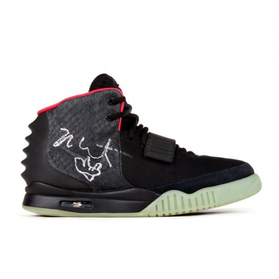 signed-nike-air-yeezy-01