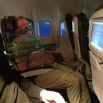 Ivre, un passager finit scotché à son siège d'avion