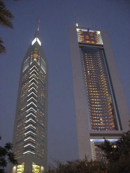 Jumeirah Emirates Towers Hotel : 309m (Dubai, 2000)