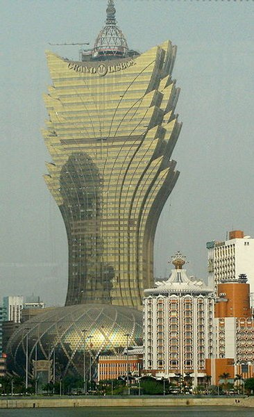 258m (Macau, 2008) . Prix de la chambre : 224€
