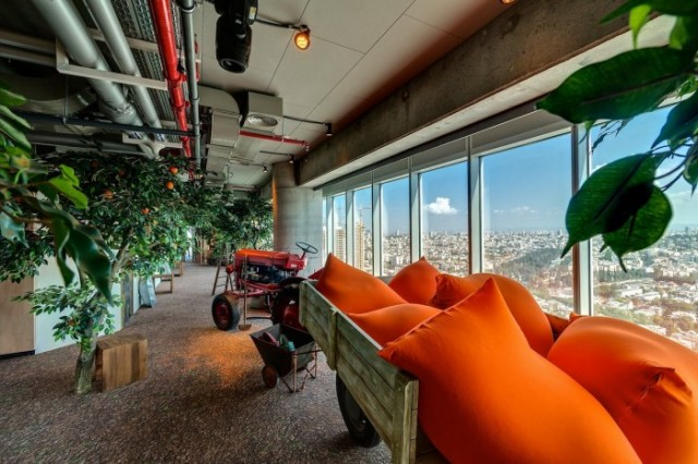 Google-Office-Tel-Aviv6-640x426