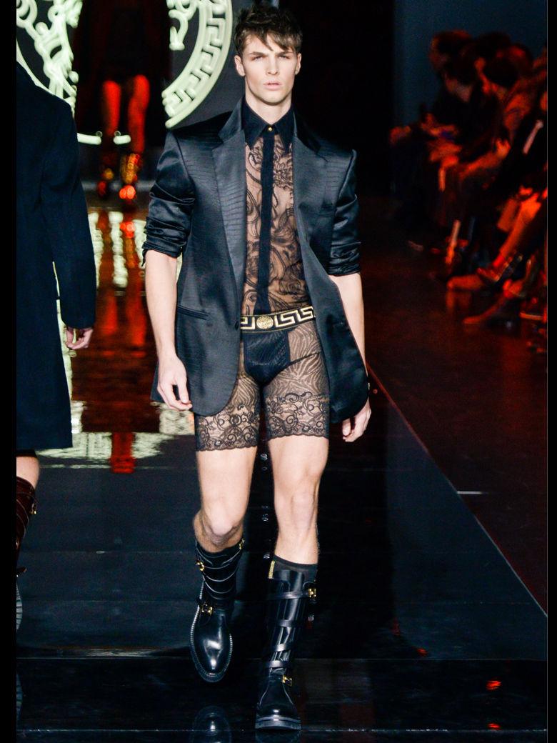 L-homme-sexy-de-Versace_exact780x1040_p
