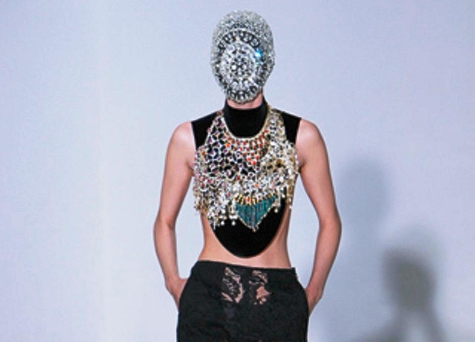 Maison-Martin-Margiela-Haute-Couture-Hiver-2012-2013-10