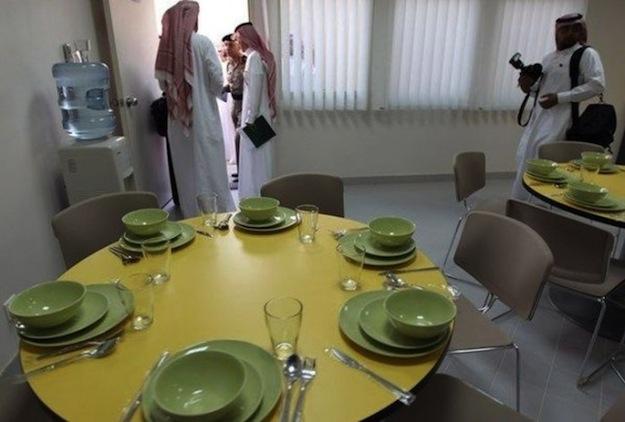Prison-luxe-terroriste-salle-a-manger-640x432