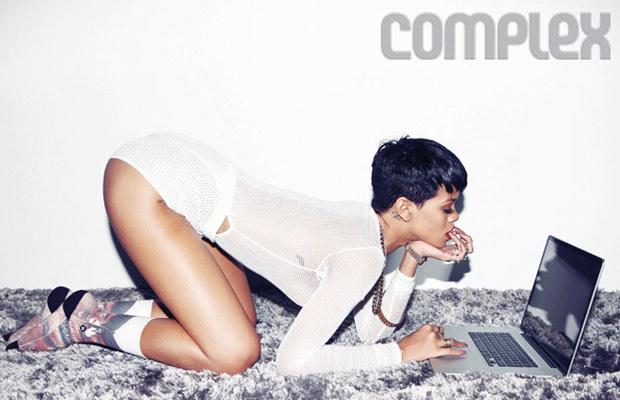 Rihanna_hottestwomanonearth_3