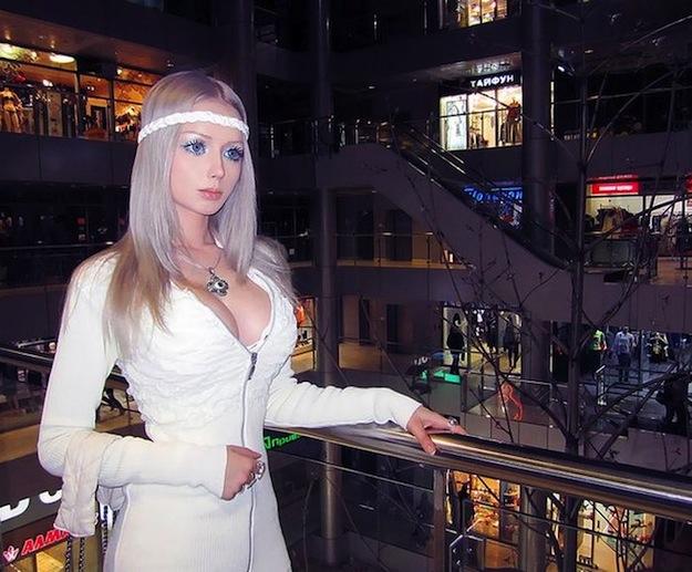 valeria-lukyanova-barbie-russe_28