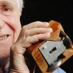 Douglas Engelbart, le père de la souris, est mort