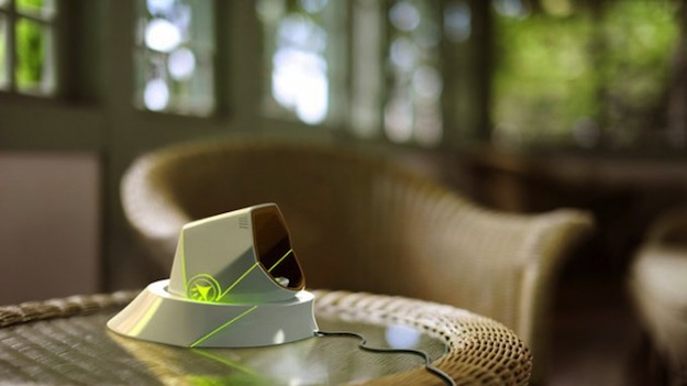 Hand-Tree-wearable-air-purifier-1-630x354