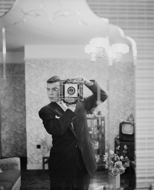 old-selfies-big-camera