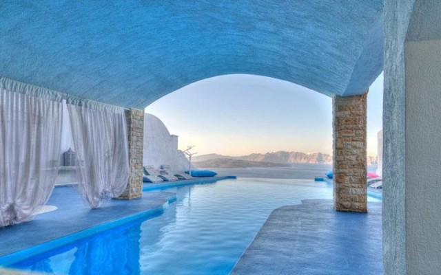 Astarte-Suits-Hotel-Greece-600x375