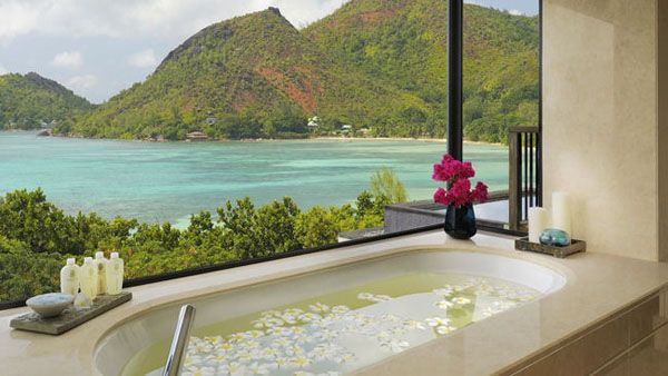 Bathrooms-with-Views-41-1-Kindesign_resultat