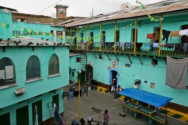 Bolivia_The-San-Pedro-Prison