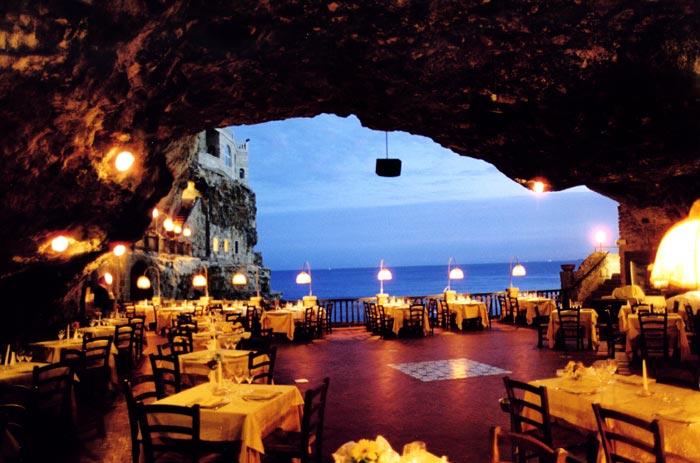 Grotta-Palazzese-Polignano-a-Mare-Il-Tuo-Hotel.net_