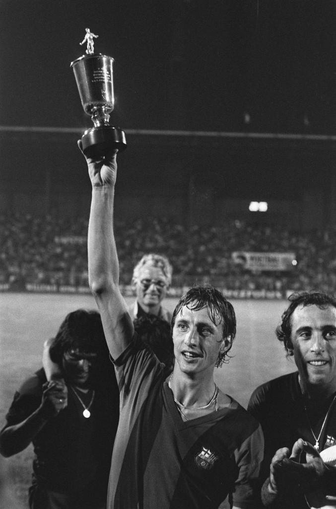 Johan_Cruijff_als_Barcelona-speler_op_het_Amsterdam_700_Tournament_in_1975