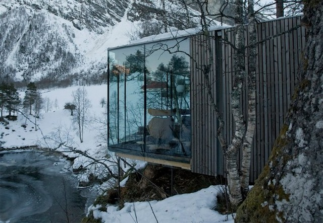 Juvet-Landscape-Hotel-with-Stunning-Views-Of-Noway-Wilderness-26
