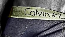 Quand Calvin Klein invite ses fans à prendre des Selfies à moitié nus