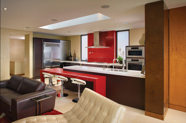 this-home-comes-with-two-kitchens-600x398