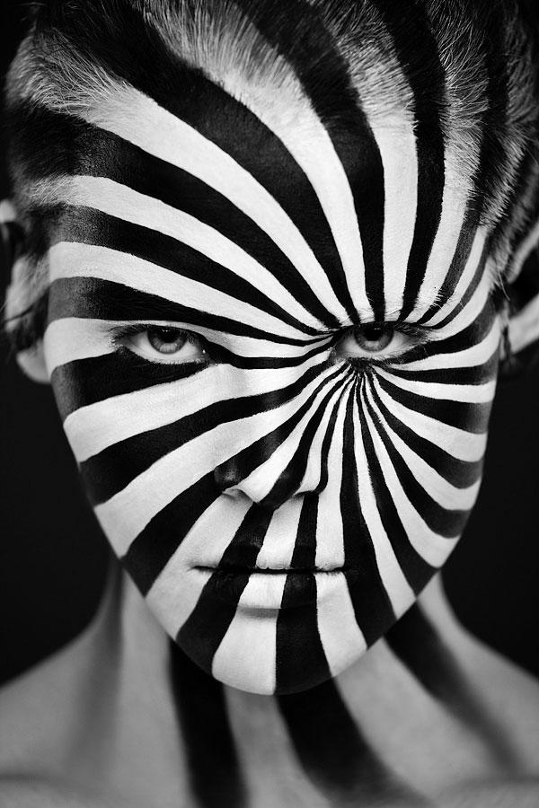 valeriya-allie-la-2d-a-la-3d-a-travers-de-magnifiques-maquillages-artistiques-en-trompe-loeil20