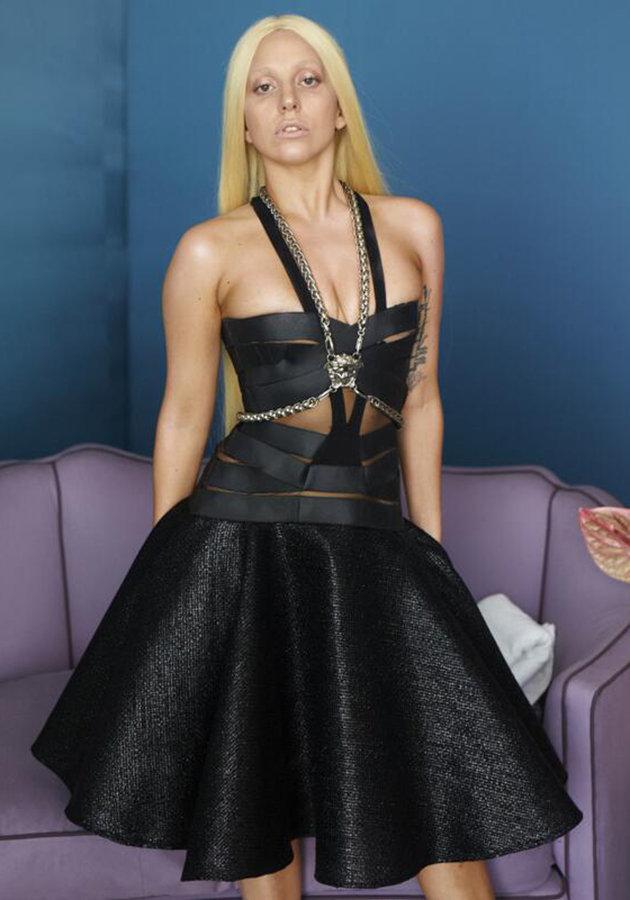ccd195a0-c580-11e3-a75f-6f009d30e74b_Lady-Gaga-Versace-campaign-pre-Photoshop