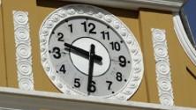 La Bolivie inverse les aiguilles de ses montres
