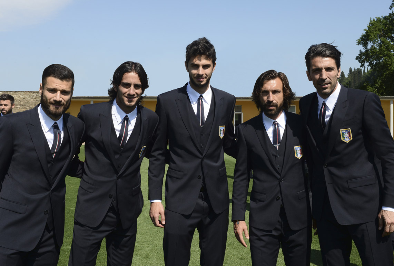 dolce-gabbana-italian-footbal-team-brazil-word-cup-2014-candreva-acquilani-ranocchia-pirlo-buffon-gallery-4