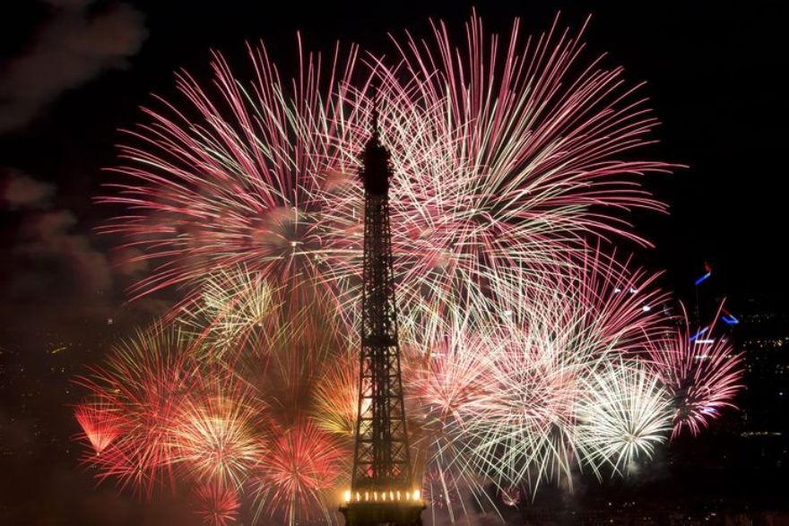 4457300_6_f7ea_fireworks-burst-around-the-eiffel-tower-in_1f8403d4594e5e827824c35f61ef1445