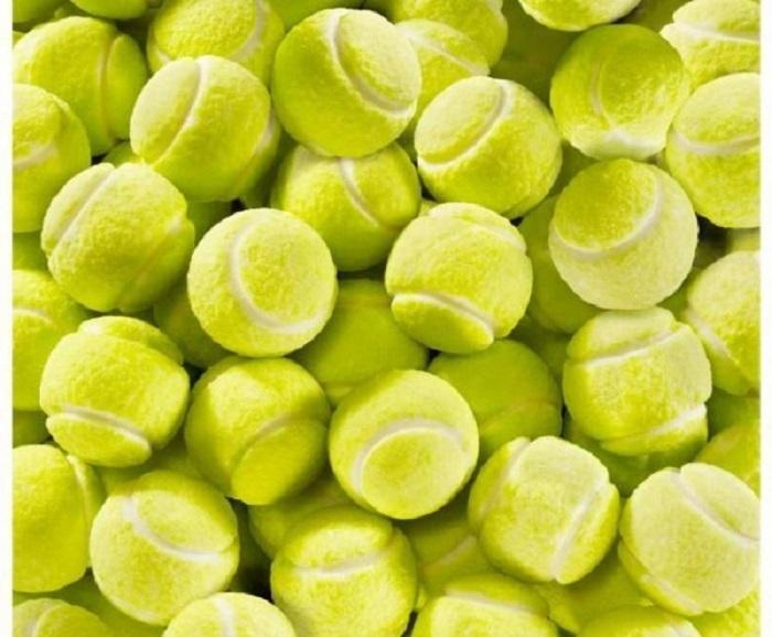 2013_05_24__16_10_les_balles_de_tennis_deviennent_sucrees