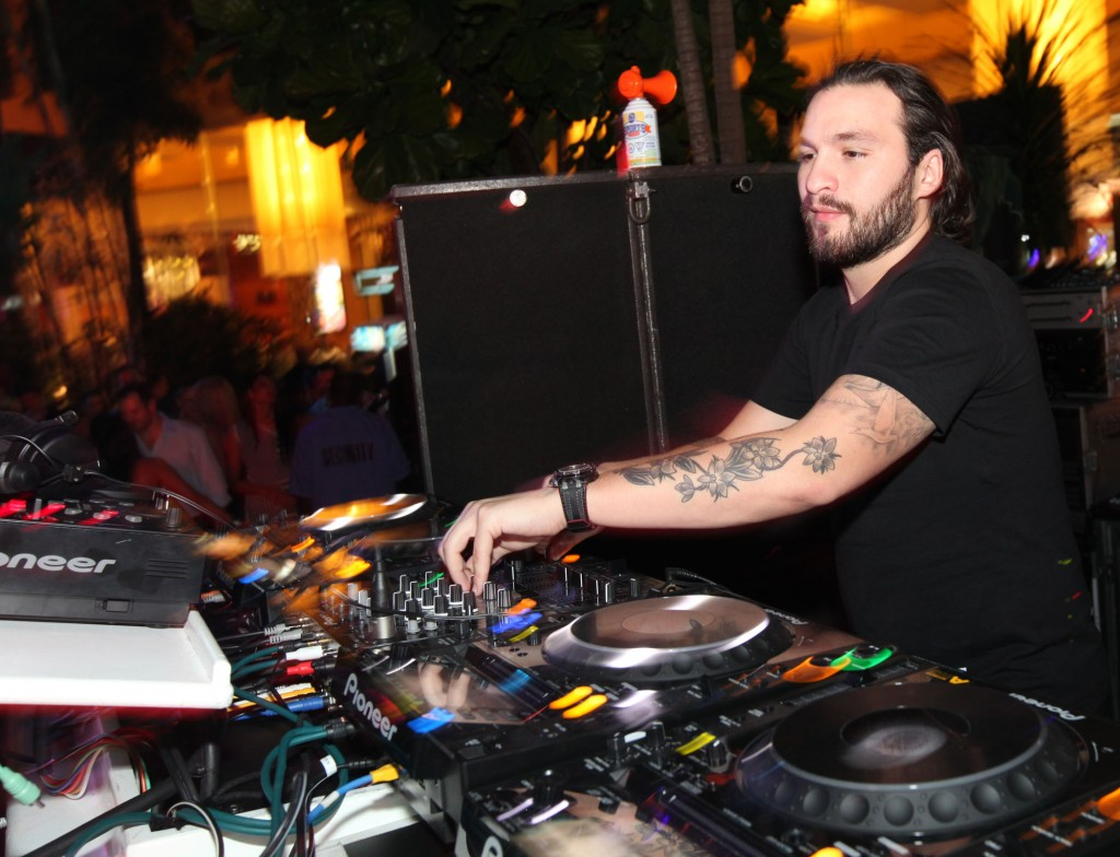 DJ Steve Angello spins at The Pool After Dark (PAD)