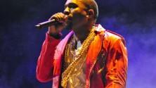 Kanye West oblige ses fans à se lever lors d'un concert