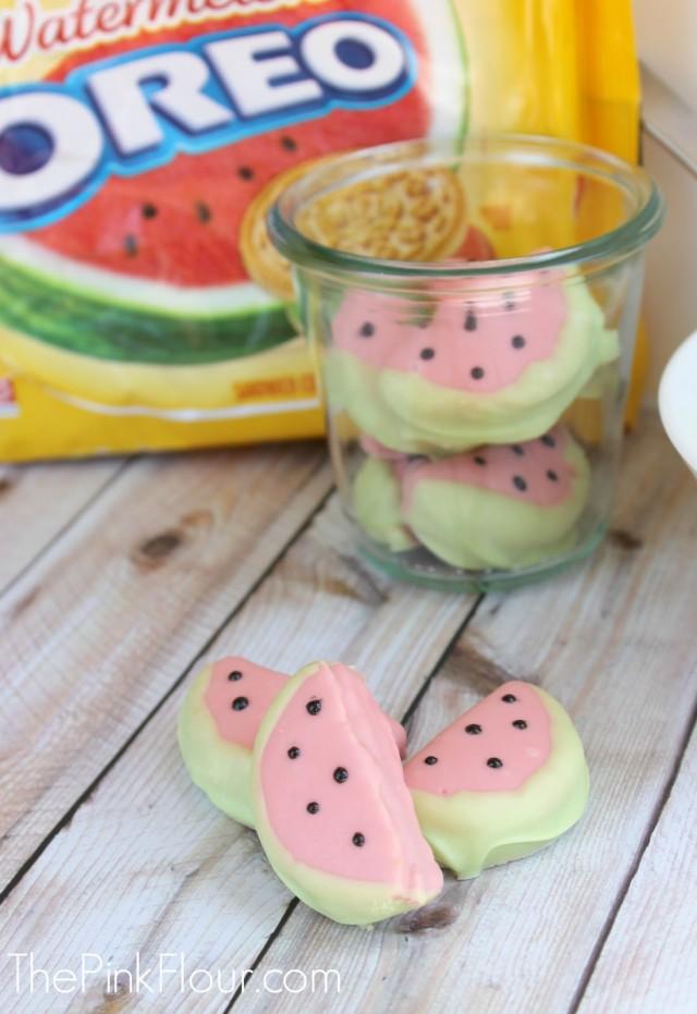 Chocolate Watermelon Oreos - so easy to make!