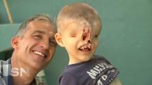 Yahya El Jabaly, le petit marocain sans visage sera bientôt opéré