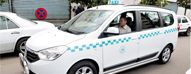 "Le Grand Taxi blanc de ""Luxe"" Lodgy"
