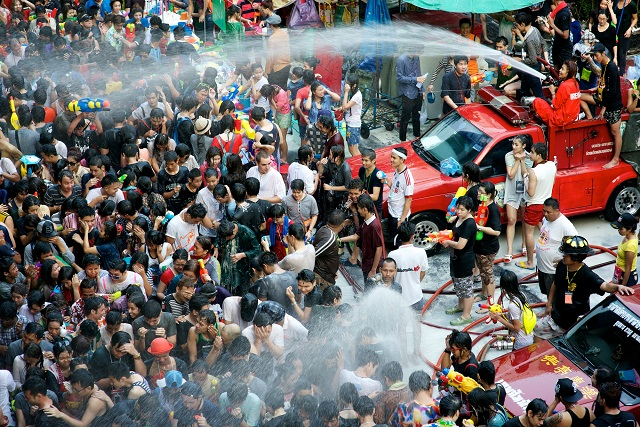 Songkran-Water-Festival-Thailand-5