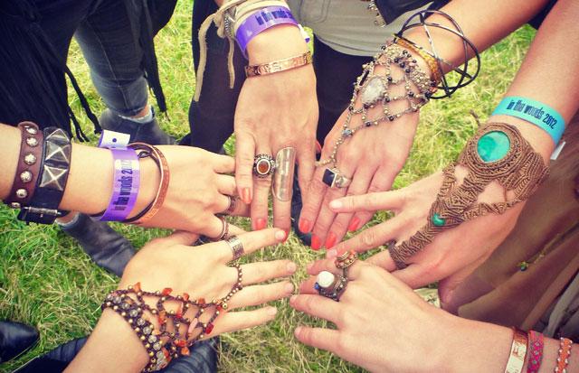filles-bracelets