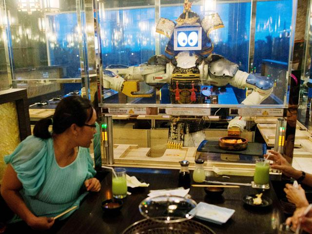 hajime-robot-restaurant-in-bangkok