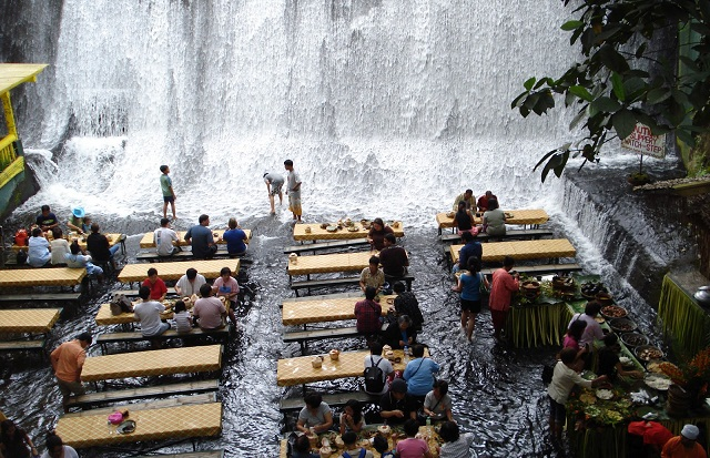 philippines-villa-escudero-waterfall-restaurant