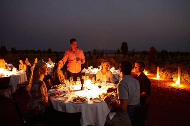 sound of silence restaurant parc national d uluru australie