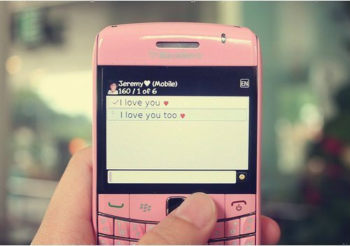 blackberry-love-phone-texting-Favim.com-245860