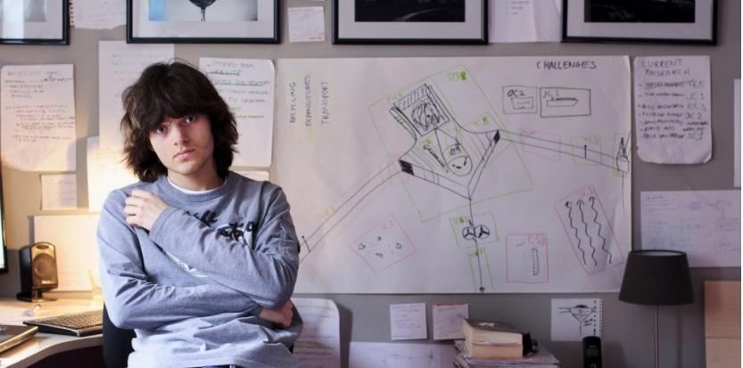 Le jeune néerlandais Boyan Slat est l'inventeur de Ocean Clean-up, un dispositif de grande envergure pour nettoyer les déchets accumulés dans les océans.