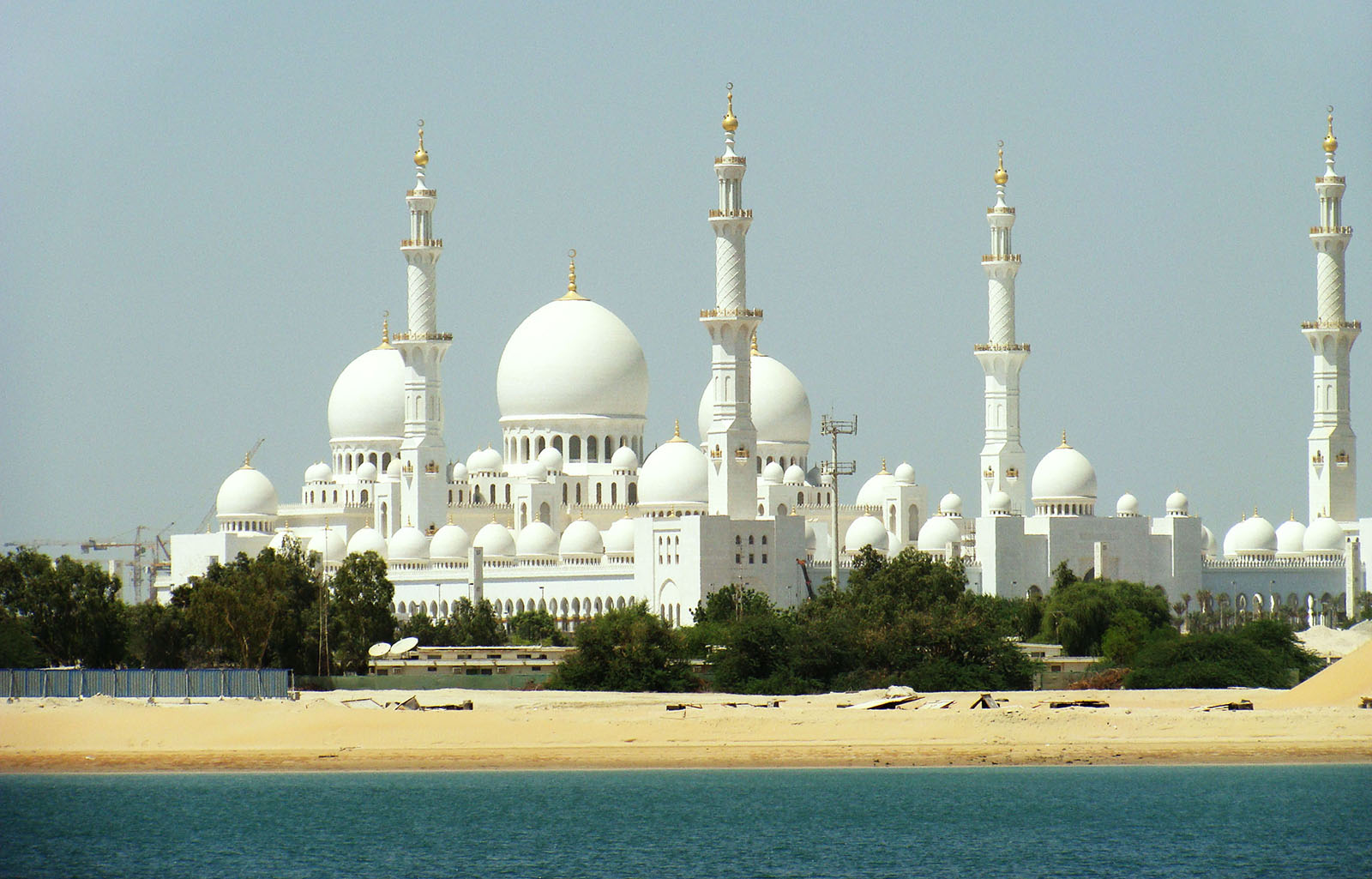 Sheikh-Zayed-Grand-Mosque-Abu-Dhabi