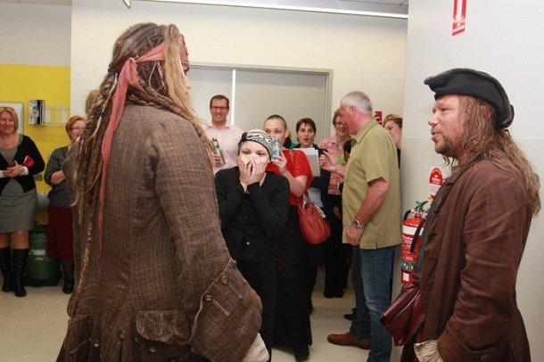 Johnny-Depp-Jack-Sparrow-enfants-malades-hopital-australie-3