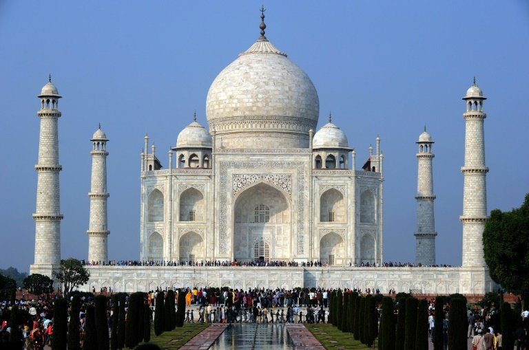 afp-thwarted-indian-couple-in-taj-mahal-suicide-pact