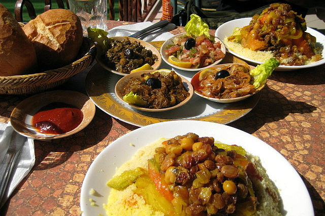 http://ethnicfoodsrus.com/wp-content/uploads/2014/11/morrocan-meal.jpg